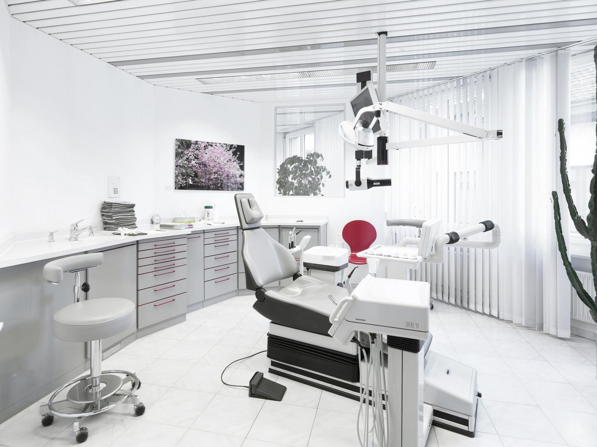 Zahnarzt , Dentalhygiene , Zahnspange , Implantat , Günstige Implantate